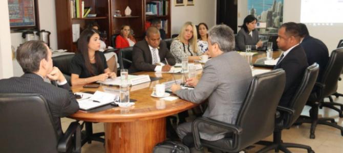 Secretaria Ejecutiva del SIACAP expone ante el CCF